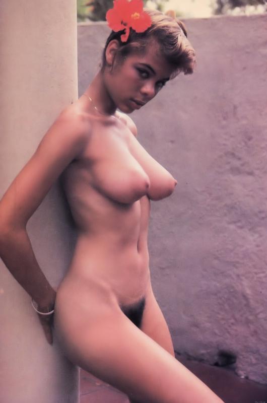 women naked bum cheeks