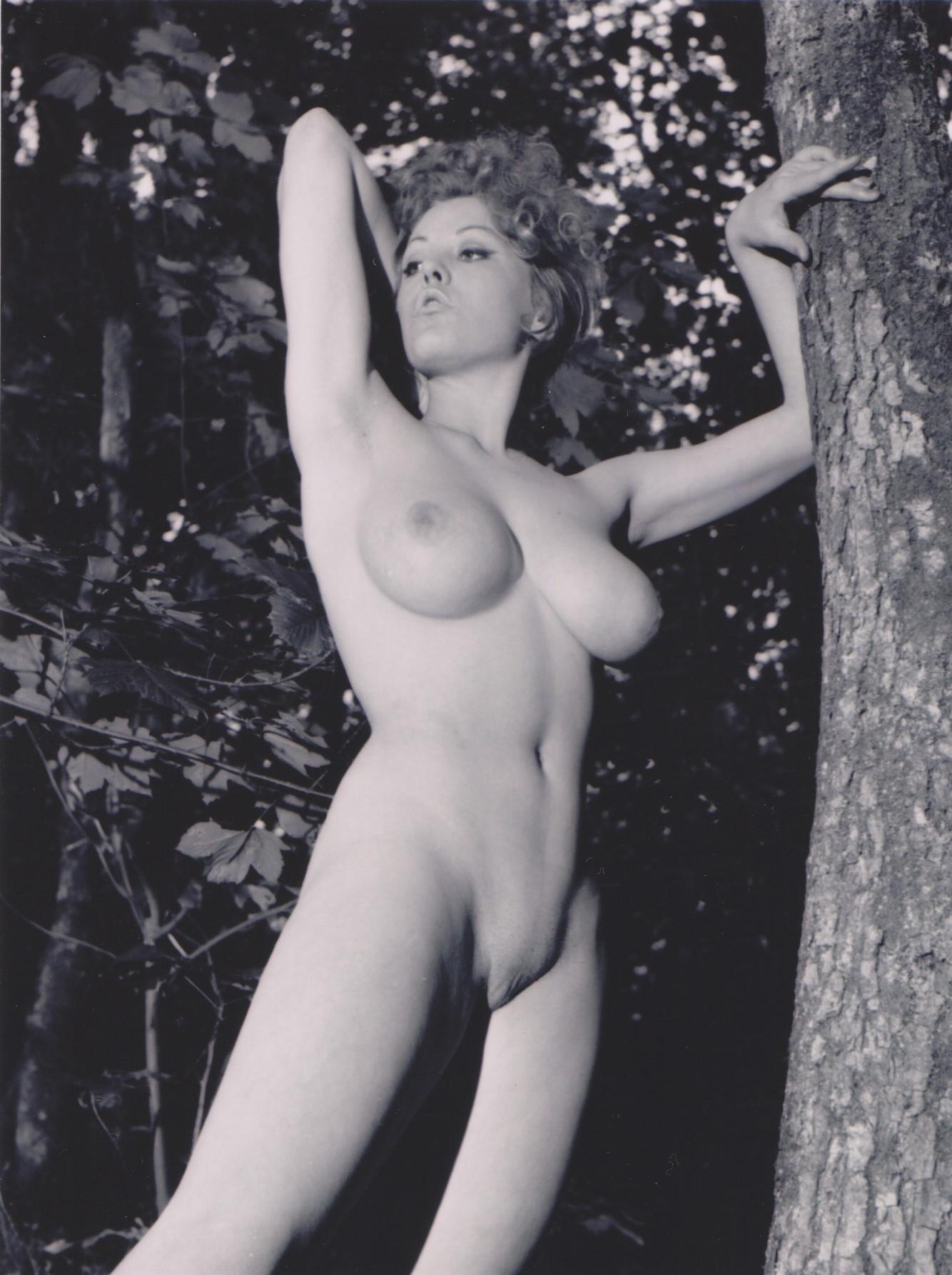 joan bakewell naked